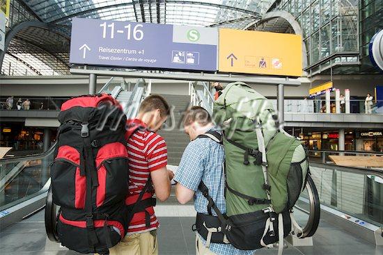Resultado de imagen de backpackers city